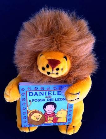 Daniele nella fossa dei leoni - Libretto con pupazzo a forma di leone (Copertina rigida)