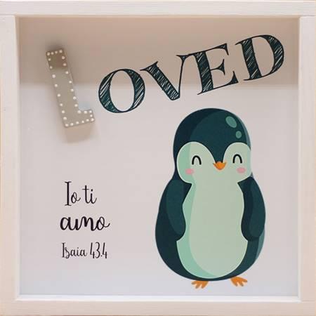 Quadro in legno Loved - Pinguino Isaia 43:4 (#415)